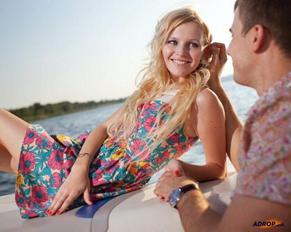 Romantická plavba motorovým člnom